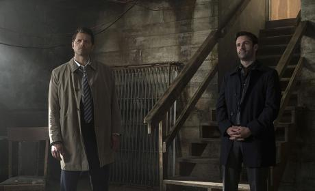 Castiel makes a new friend - Supernatural Season 12 Episode 2