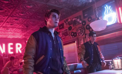 Watch Riverdale Online: Season 2 Episode 21