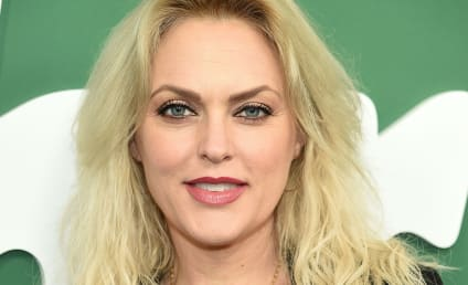 Dynasty Casts Elaine Hendrix as New Alexis Carrington