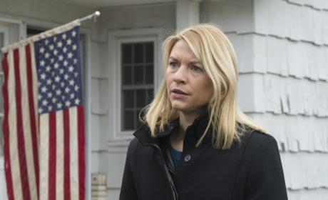 Carrie Talks to the Solicitor General - Homeland