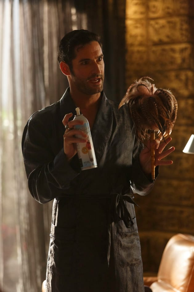 Housekeeper - Lucifer Season 2 Episode 3