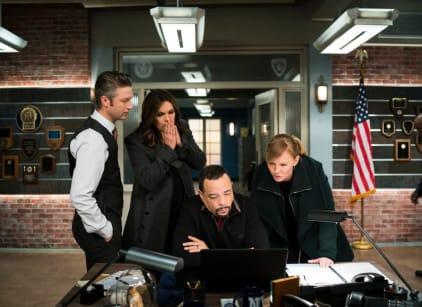 Watch Law & Order: SVU Season 18 Episode 17 Online