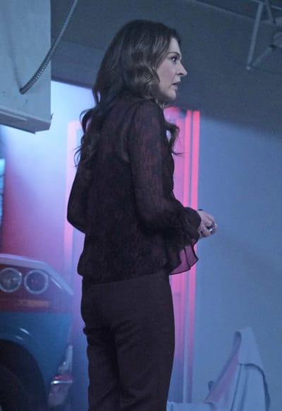Kit Looks Concerned - The Resident Season 4 Episode 11
