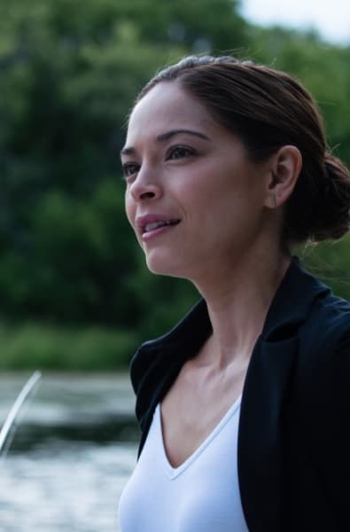 Joanna Defends Her Need To Defend - Burden of Truth Season 3 Episode 2