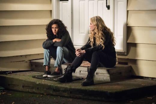 Wayward Sisters - Claire and Kaia Talk - Supernatural Season 13 Episode 10