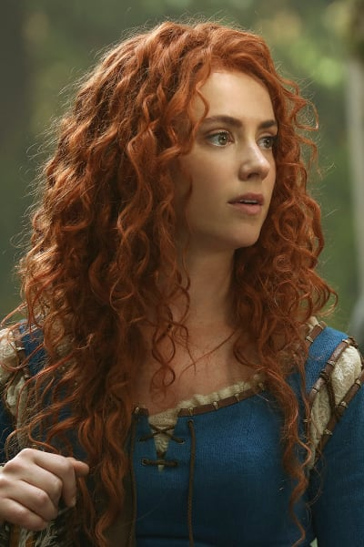Amy Manson as Merida - Once Upon a Time Season 5 Episode 1