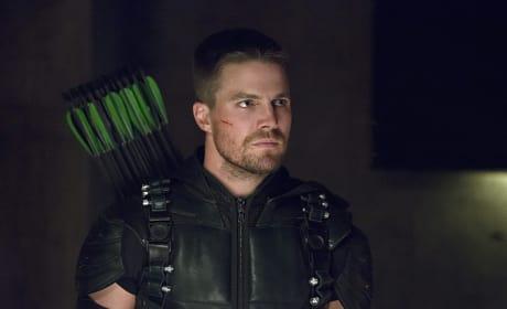 Green Arrows on his Back Season 4 Episode 3