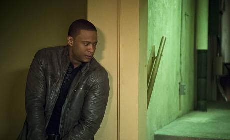 On the hunt - Arrow Season 4 Episode 20