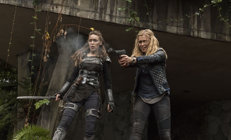 The Battle Begins - The 100 Season 2 Episode 10