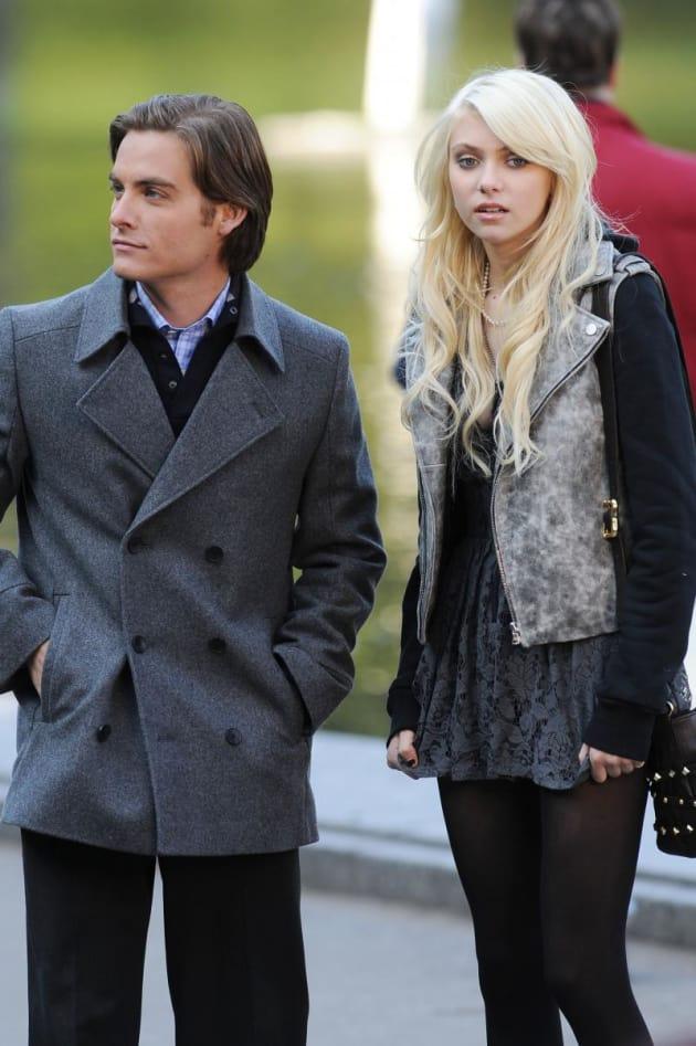 Taylor Momsen, Kevin Zegers - TV Fanatic