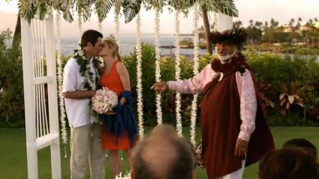 Modern Family - Hawaiian Wedding
