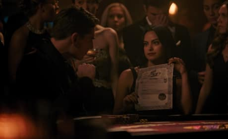 Veronica Bets It All - Riverdale Season 3 Episode 7