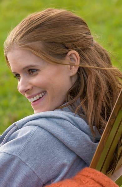 Claire smile - A Teacher Season 1 Episode 5