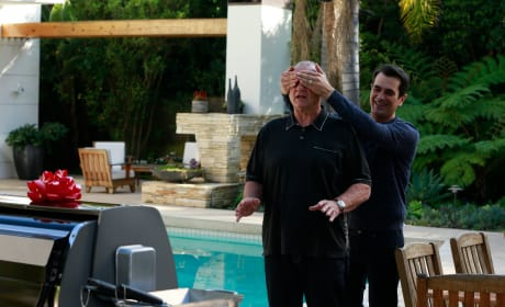 Surprise! - Modern Family Season 6 Episode 19