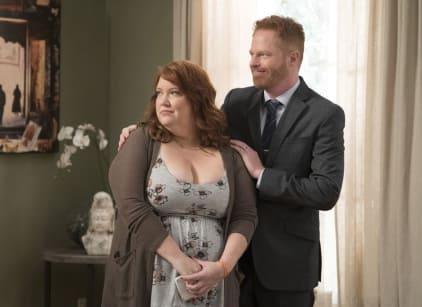 Watch Modern Family Season 9 Episode 10 Online