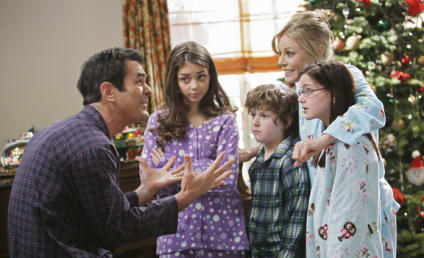 "Modern Family Review: ""Undeck the Halls"""
