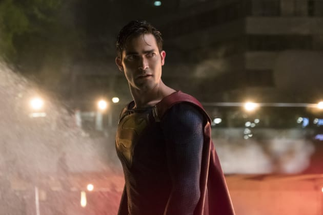 Superman - Supergirl Season 2 Episode 22