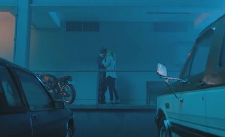 Rainfall Kiss - Riverdale Season 2 Episode 1