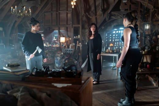 Alternate Universe Vera Sisters  - Charmed (2018) Season 1 Episode 22