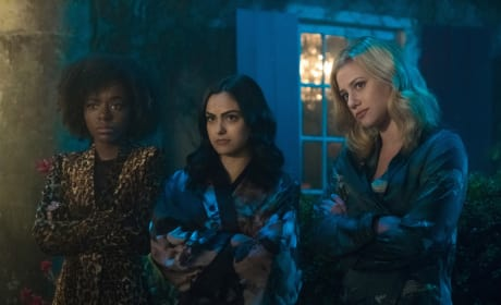 Sleepover - Riverdale Season 2 Episode 16