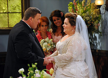 Watch Mike & Molly Season 2 Episode 23 Online