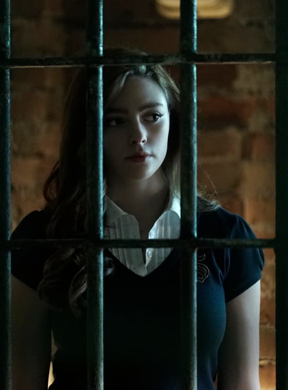 Breaking Down the Barrier - Legacies Season 1 Episode 1