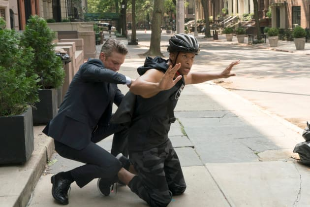 Arresting the Wrong Suspect - Law & Order: SVU Season 20 Episode 4