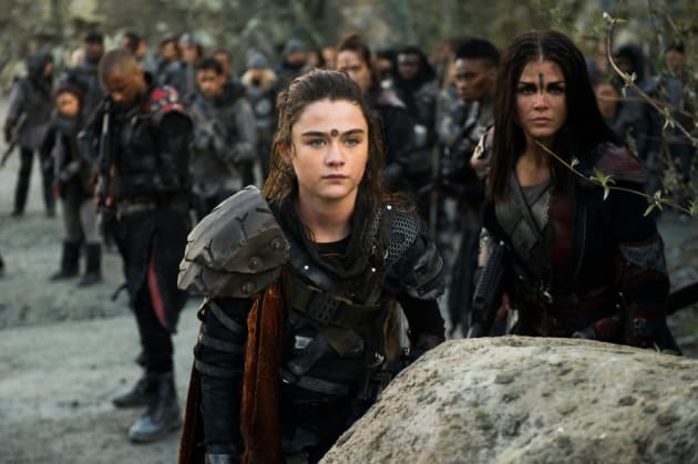 Madi in the Battlefield - The 100 Season 5 Episode 13