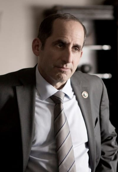 Snyder Weighs In - Colony Season 2 Episode 11