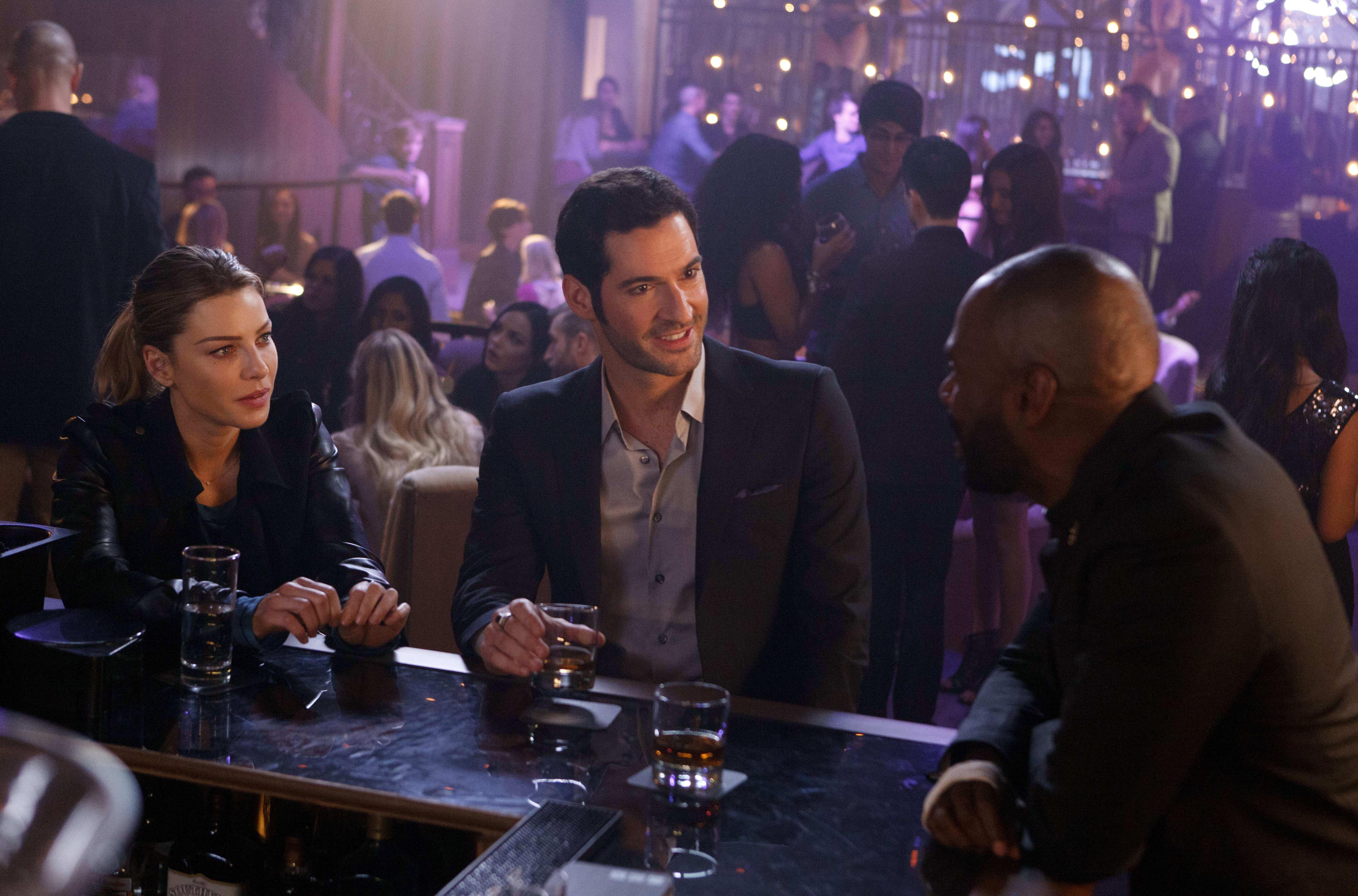 Lucifer Season 1 Episode 9 Review A Priest Walks Into A Bar Tv Fanatic