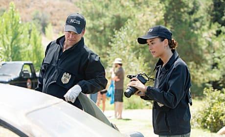 Gibbs, Ziva in the Field