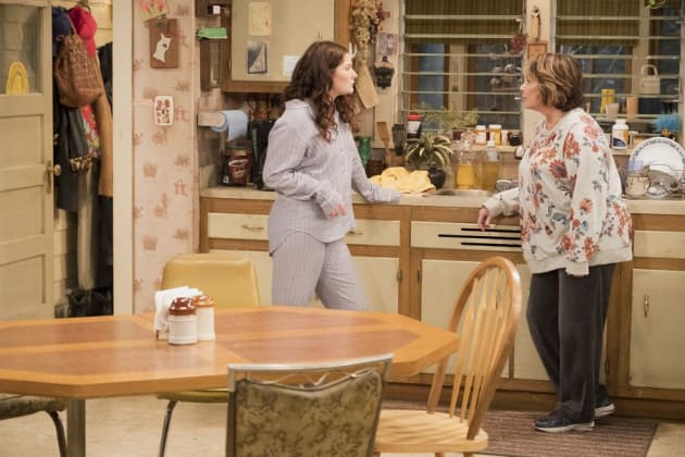 Harris Doesn't Agree - Roseanne Season 10 Episode 3
