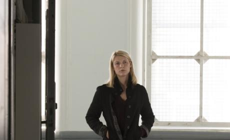 Carrie Visits Quinn in the Hospital - Homeland