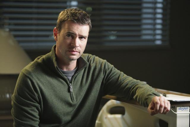 Scott Foley (Jake Ballard)
