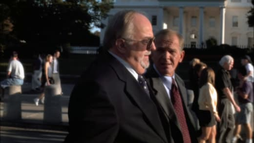 Walking In Washington - The West Wing Season 1 Episode 1