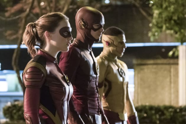 Line up! - The Flash Season 3 Episode 14