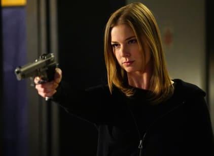 Watch Revenge Season 4 Episode 23 Online