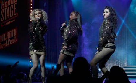 Sparkling onstage - Star Season 1 Episode 12