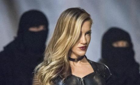 Black Siren is Ready for a Fight - Arrow Season 5 Episode 23