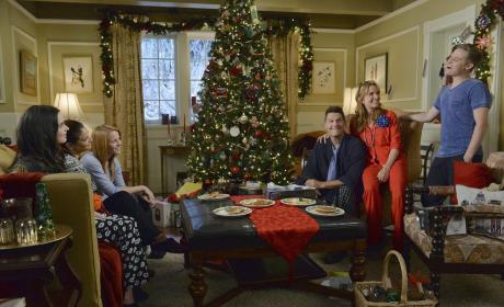 Kennish Family Christmas - Switched at Birth