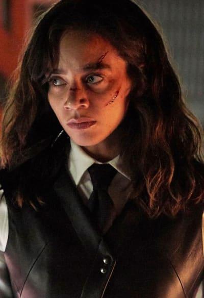 In Charge Again - Killjoys Season 5 Episode 6