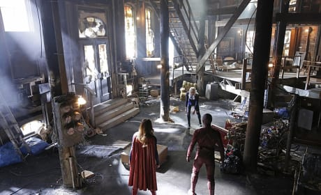 Two Against One - Supergirl Season 1 Episode 18