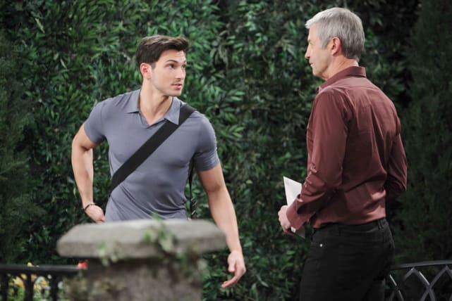 Clyde Pressures Ben - Days of Our Lives