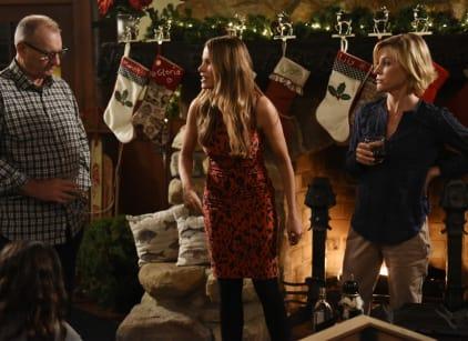 Watch Modern Family Season 7 Episode 9 Online