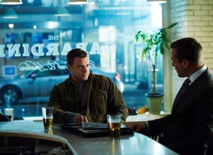 Watch Suits Season 4 Episode 16 Online