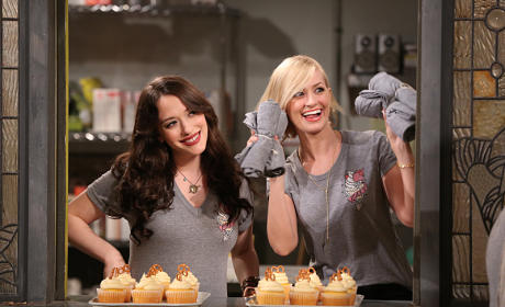 Teaming Up - 2 Broke Girls