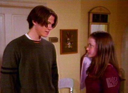 Watch Gilmore Girls Season 1 Episode 7 Online
