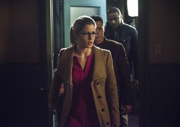 The Team Files In - Arrow Season 3 Episode 18