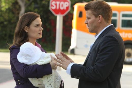 bones season 8 spoilers time jump fugitive brennan more