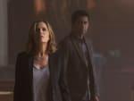 Madison Investigates - Fear the Walking Dead Season 1 Episode 1